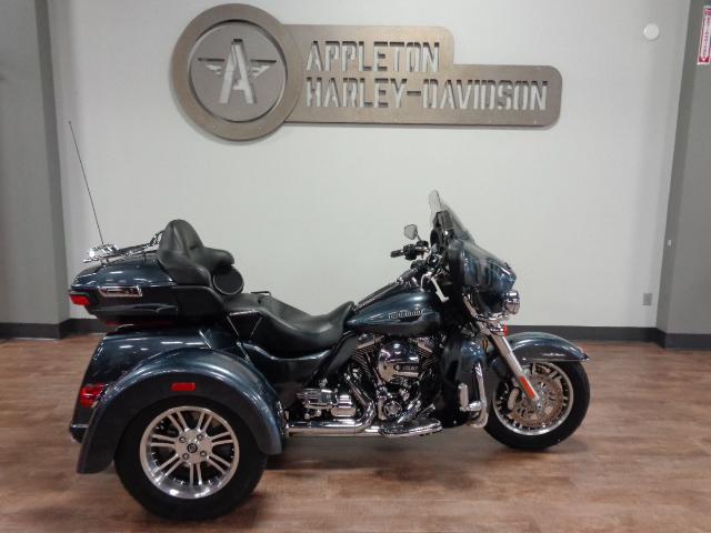 2015 Harley-Davidson Tri Glide Ultra [1]