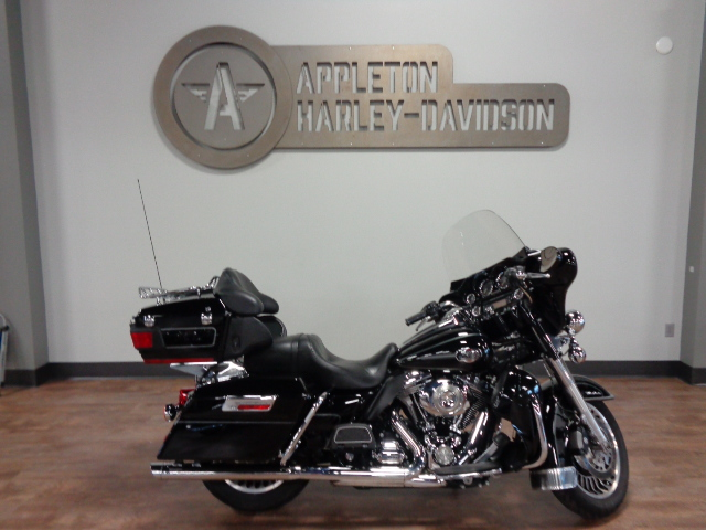 2010 Harley-Davidson Electra Glide Ultra Classic [18]