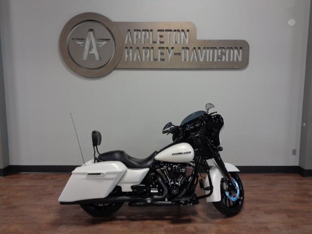 2018 Harley-Davidson Street Glide Special [1]