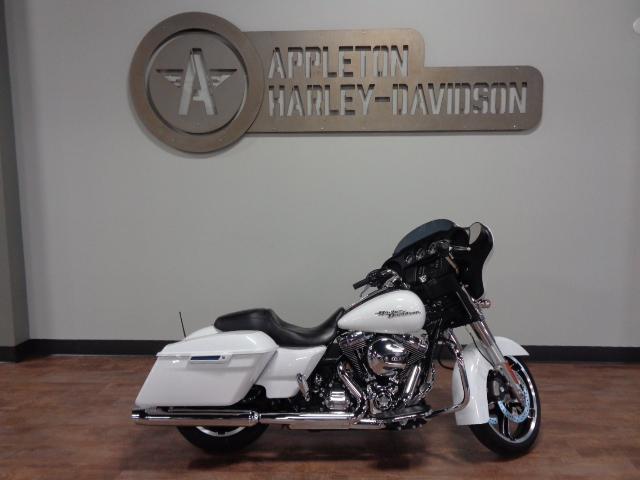 2016 Harley-Davidson Street Glide [6]