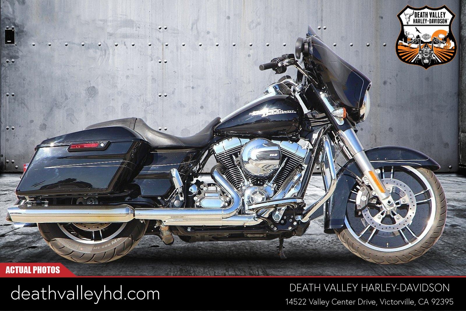 2016 Harley-Davidson Street Glide Special [2]