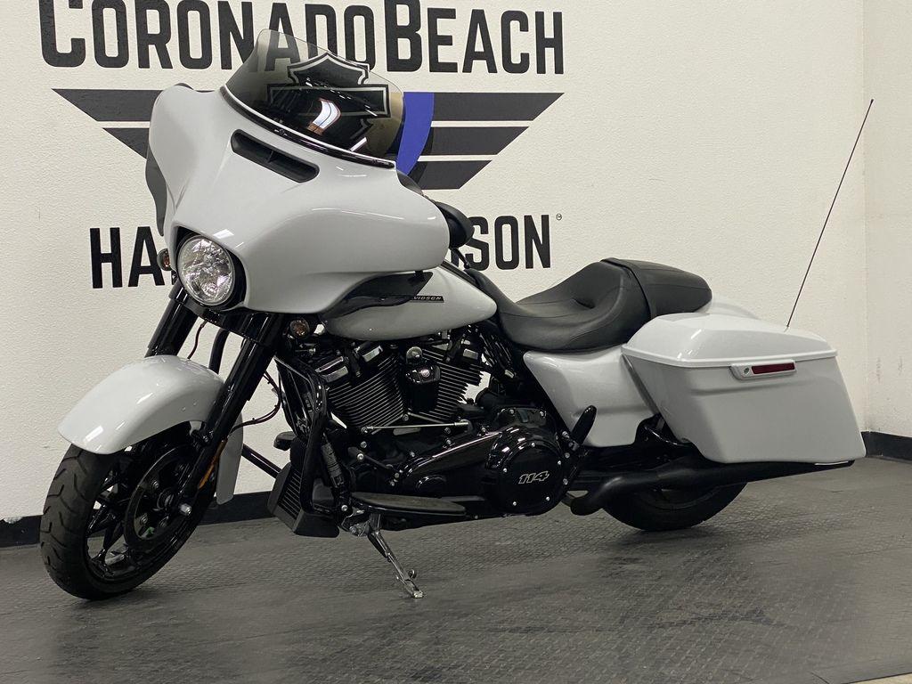 2020 Harley-Davidson Street Glide Special [5]