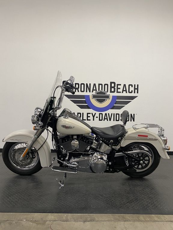 2014 Harley-Davidson Softail Delux [20]