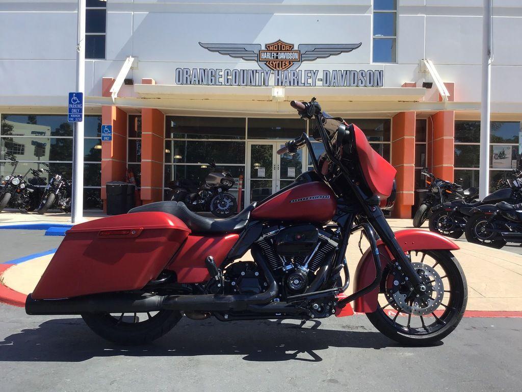 2019 Harley-Davidson Street Glide Special [39]
